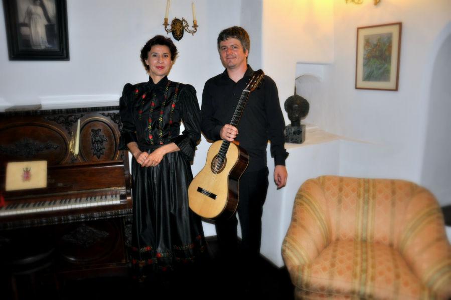 """""""O voce. O lăută. O chitară"""", pe scena Colegiului Academic, la ediția a 50-a a Festivalului Internațional Toamna Muzicală Clujeană"""
