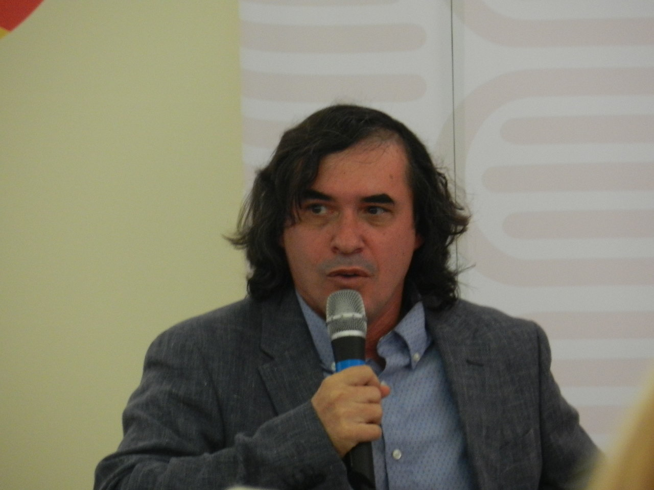 """Mircea Cărtărescu, la Cluj, invitat al Festivalului Internațional de Carte Transilvania: """"Scrisul este un dar al câtorva oameni care nu știu să facă altceva decât să scrie"""""""
