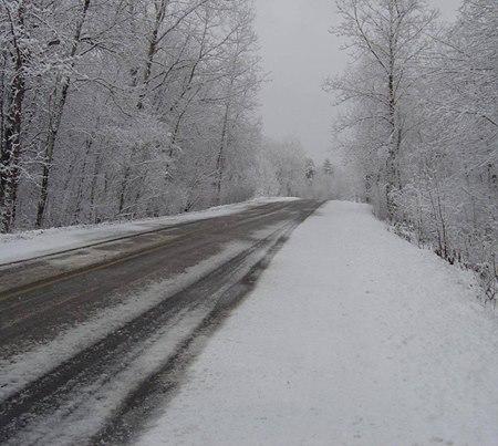 Nu există drumuri blocate sau închise din cauza zăpezii la nivelul județului Cluj! Atenție la polei!