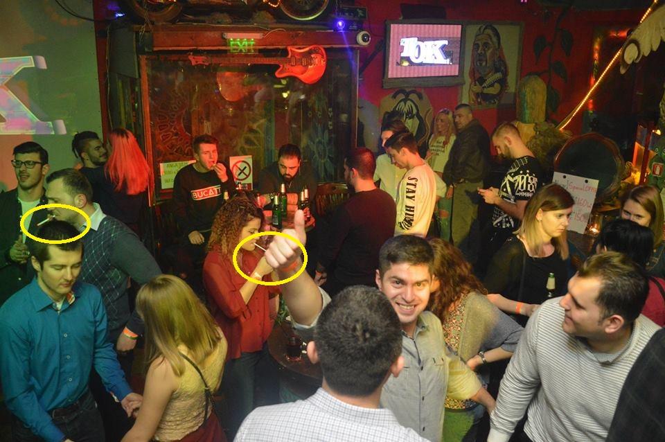 Legea e pentru fraieri și la Cluj, în Janis Club! Mai mulți petrecăreți surprinși fumând în incinta localului de fotograful oficial al clubului – EXCLUSIV