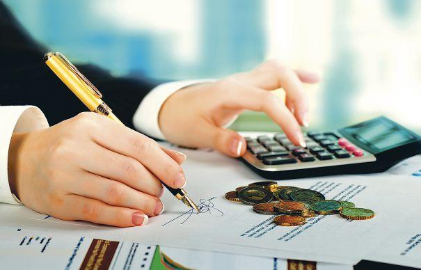 Legea pentru eliminarea a 102 taxe nefiscale a fost promulgată de președintele Iohannis