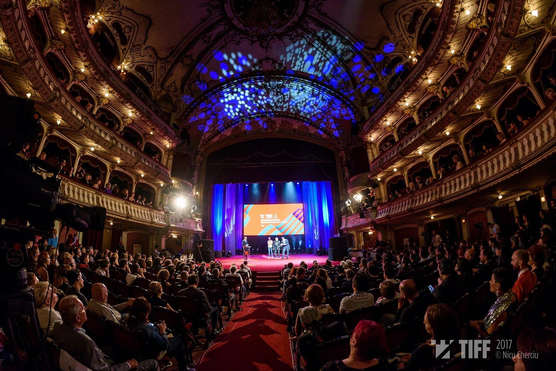 """Decernarea premiilor TIFF 2017: Trofeul Transilvania merge către filmul georgian """"Familia mea fericită""""! Alain Delon, premiu pentru întreaga carieră!"""
