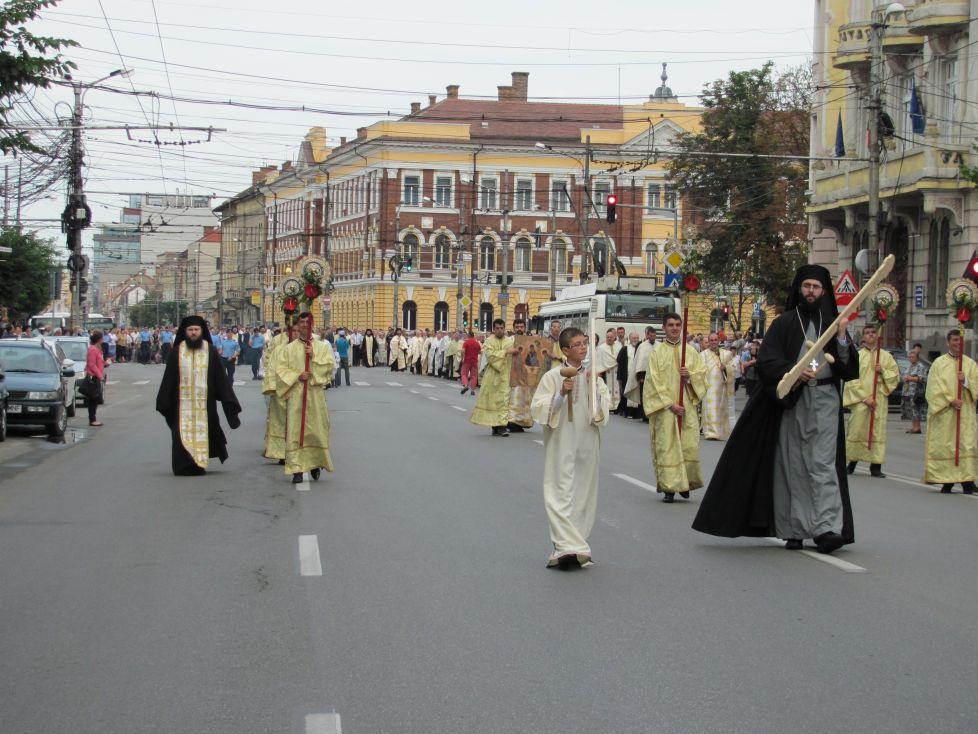Tradiționala Procesiune de Rusalii în centrul Clujului!