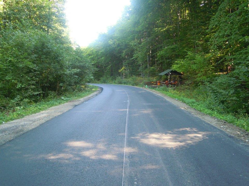 Au fost finalizate lucrările de asfaltare pe drumul județean 107R Cluj-Napoca – Făget – Ciurila – DJ 107L