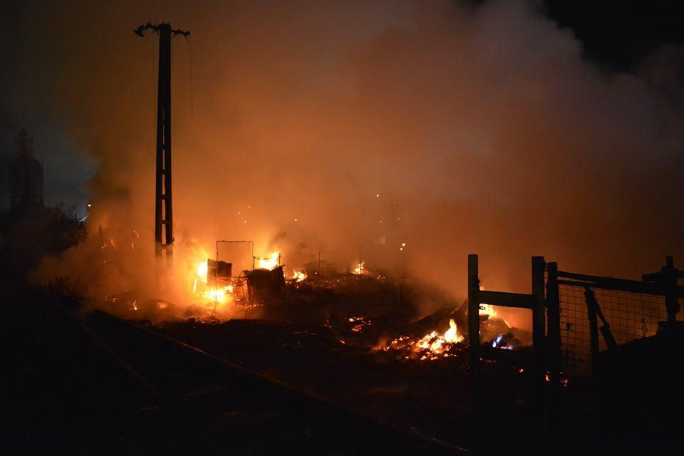 Criza de la Pata Rât! – Altă zi, alt incendiu la rampa temporară de gunoi! FOTO/VIDEO