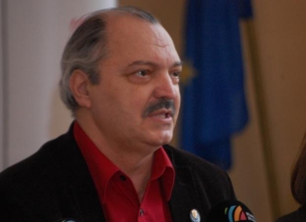 """Emanuel Ungureanu, despre Victor Socaciu: """"Un munte de nesimțire mai mare ca Arșinel."""""""