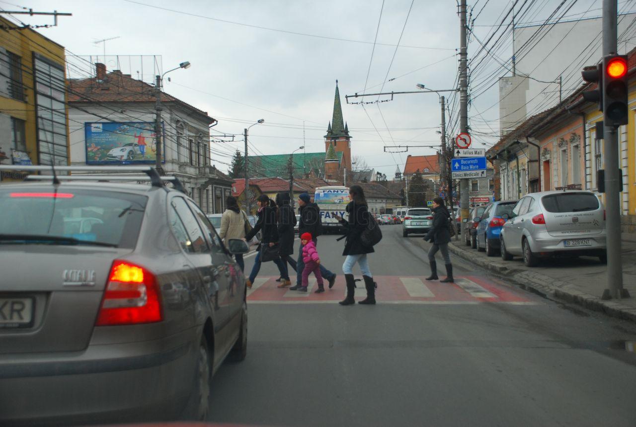 21 de treceri de pietoni vor fi suprailuminate în acest an la Cluj