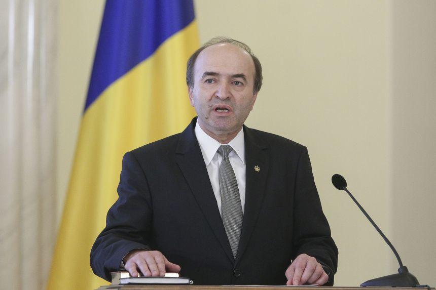 Ministrul Justiţiei, Tudorel Toader a declanşat procedura de revocare a şefei DNA, Laura Codruţa Kovesi