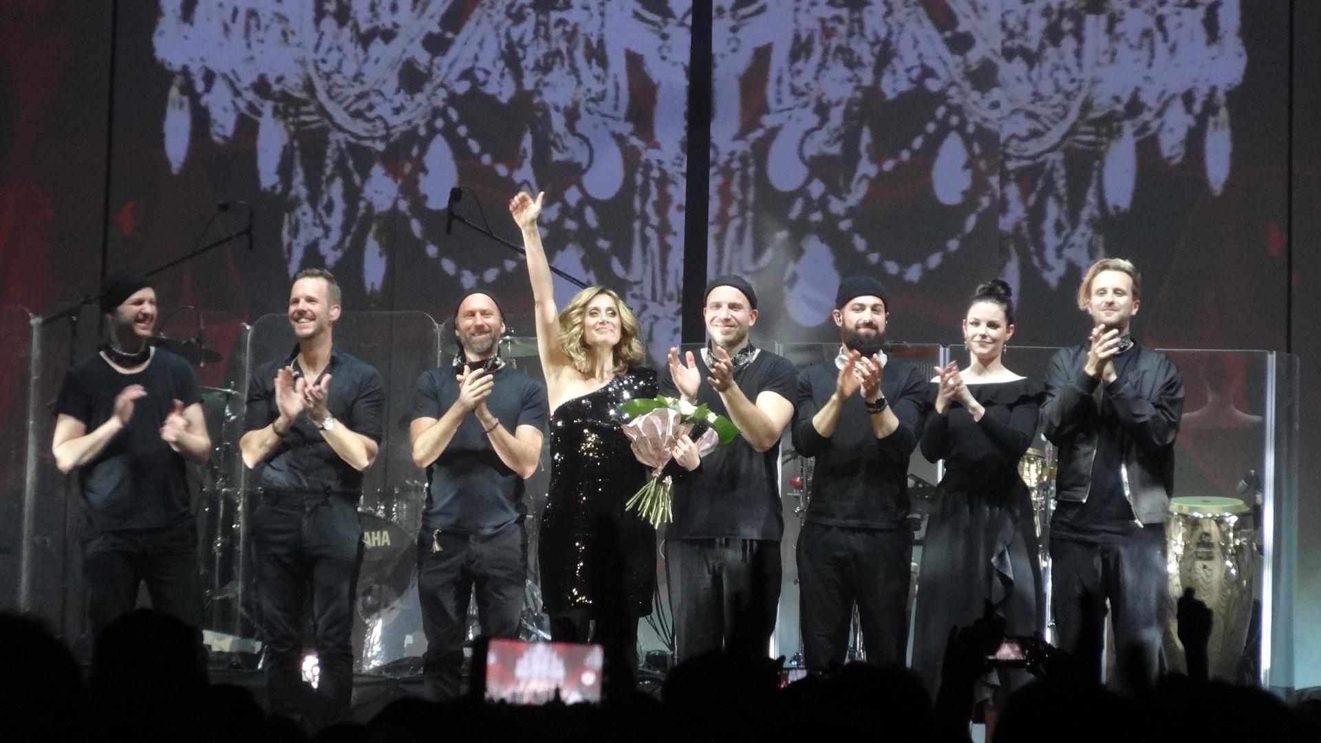 """Lara Fabian şi-a lansat noul album, """"Camouflage"""", în faţa a 5000 de clujeni, la Sala Polivalentă – FOTO/VIDEO"""