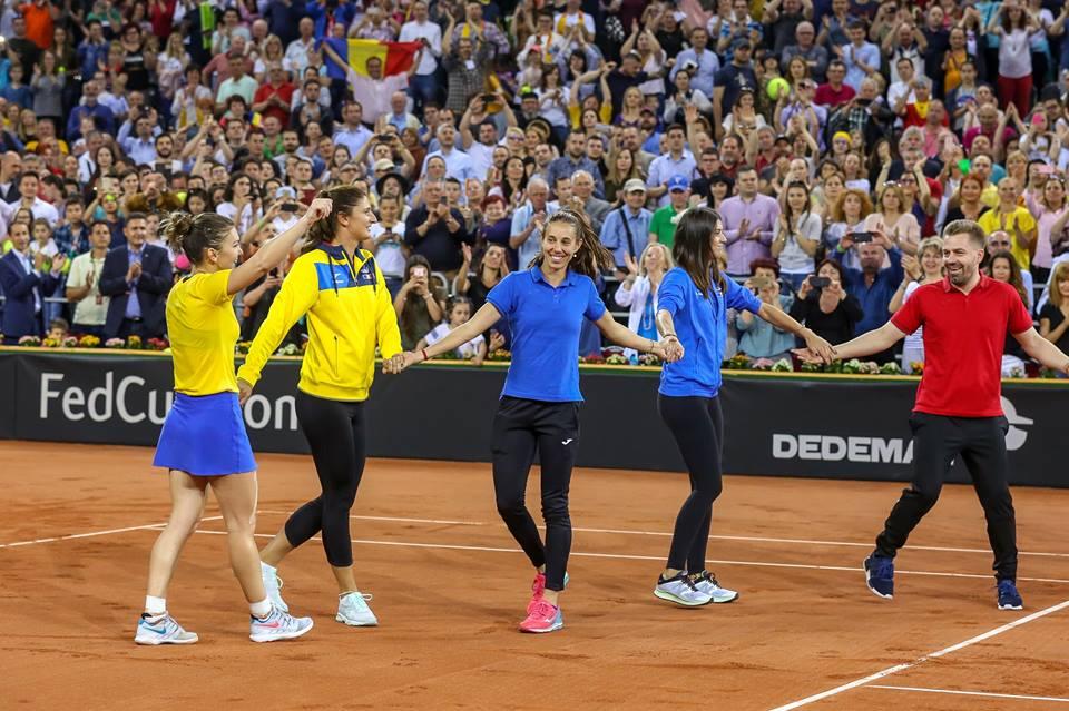 """Ploaie de confetti pentru calificarea """"Dream Team-ului"""" de Fed Cup în prima Grupă Mondială! ROMÂNIA – ELVEŢIA 3-1! VIDEO"""