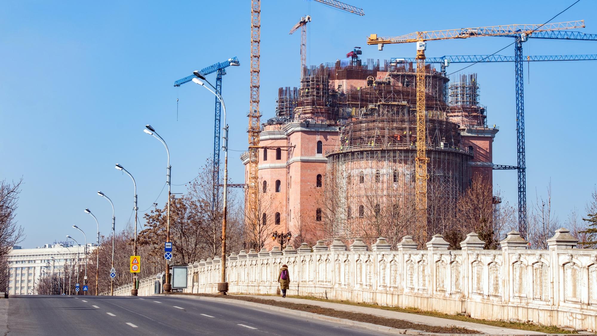 Patriarhia Română mulțumește Guvernului și primăriilor pentru banii donați Catedralei Mântuirii Neamului