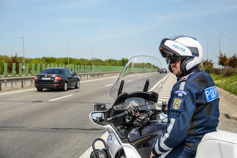 De Paști, polițiștii de la rutieră au reținut peste 1.300 de permise de conducere!