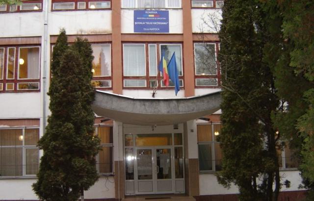Suspectul de pedofilie din Mănăştur, cercetat penal pentru corupere de minori! A fost reţinut 24 de ore după ce s-a prezentat singur la poliţie!