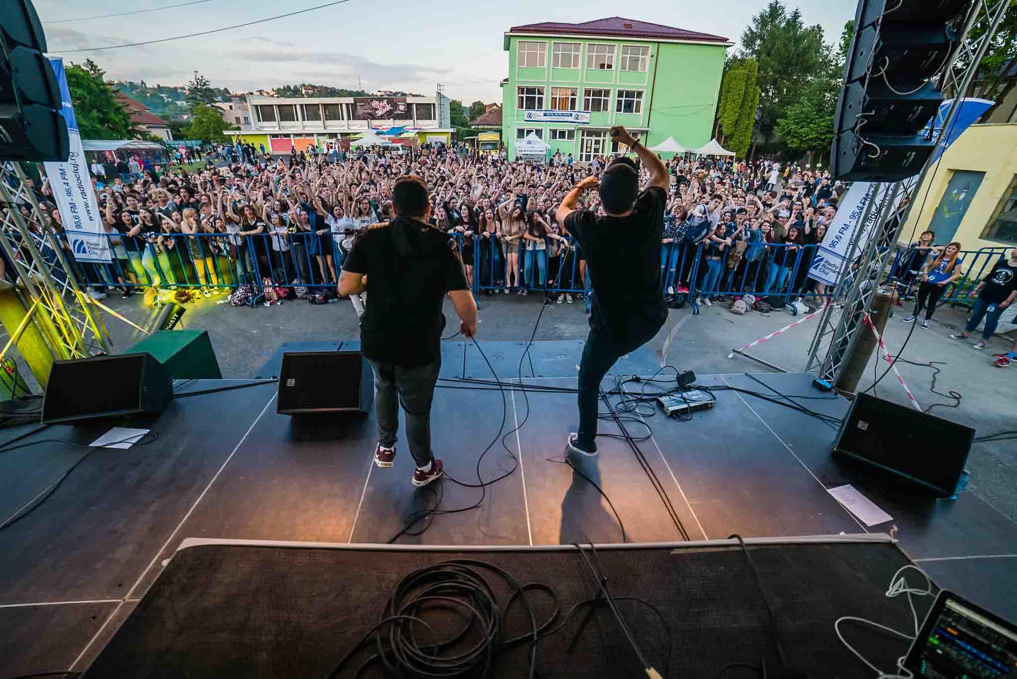 Ghibstock –  Festivalul caritabil din curtea școlii ajuns la ediția a X-a aduce mai mulți artiști și promite mai multă distracție