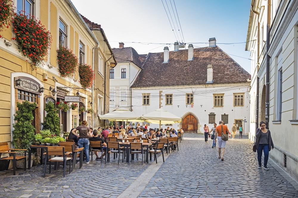 Peste 100 de tranzacţii imobiliare pe zi, la Cluj!