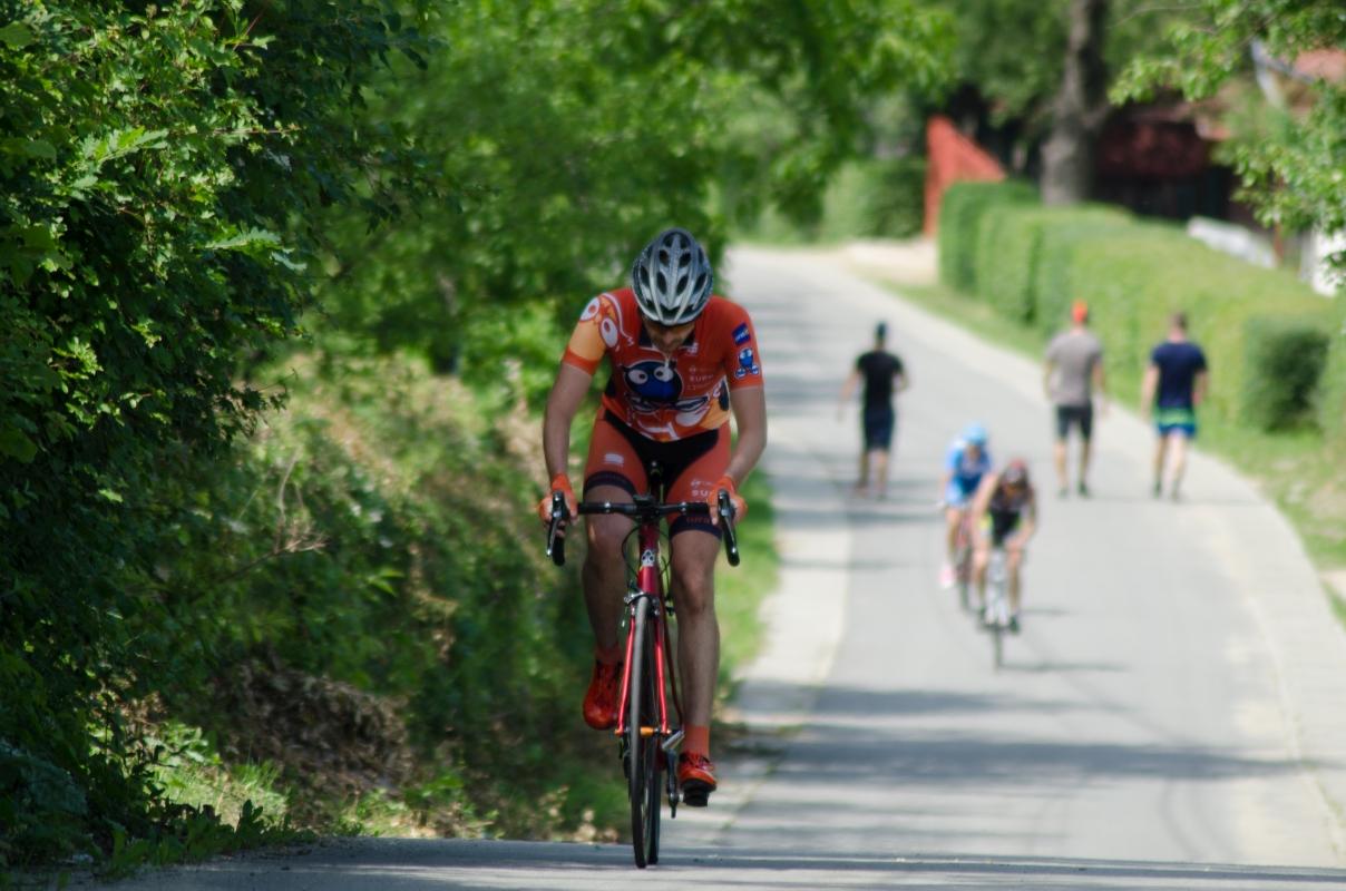 Clujenii pe prima treaptă a podiumului la ciclismul de șosea