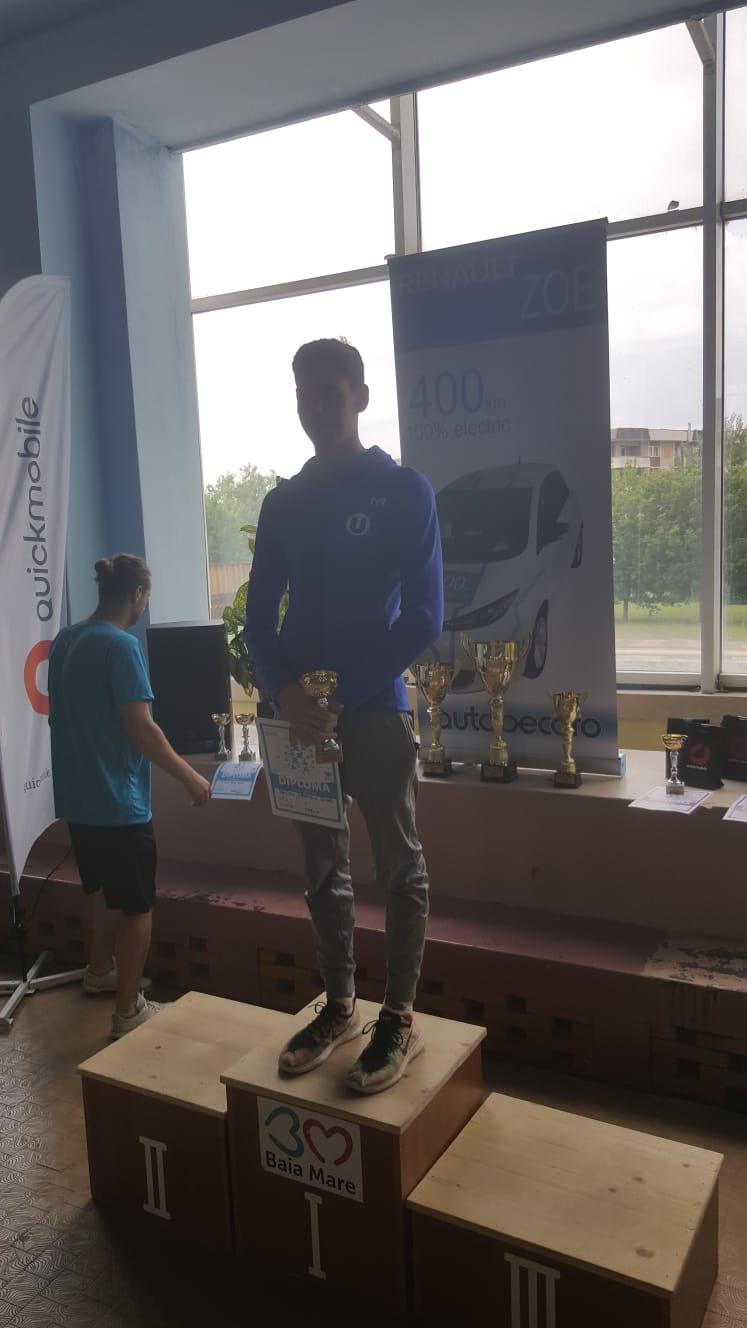 """Înotătorul clujean Gabriel Veiss a câştigat """"Cupa pentru cea mai bună performanţă"""""""