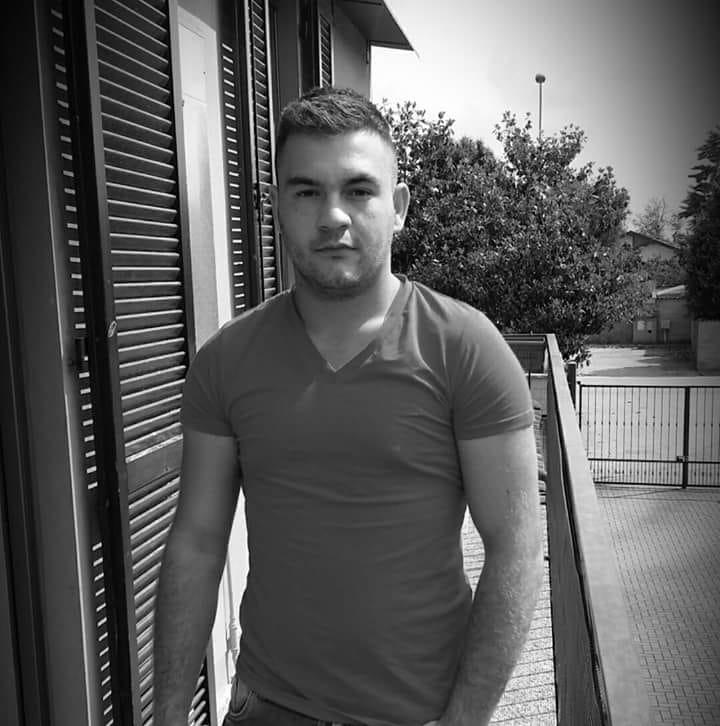 Mobilizare pe reţelele sociale pentru sprijinirea familiei tânărului din Turda găsit mort în Italia – AJUTĂ ŞI TU!