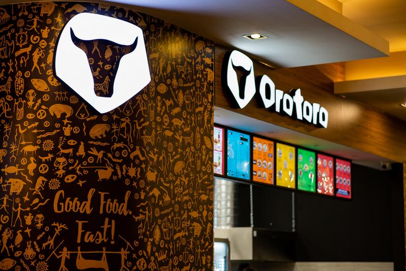 Burgeri deliciosi, la OROTORO, inaugurat in food court din Iulius Mall Cluj!