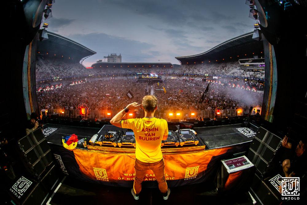 """Peste 355.000 de participanţi au luat parte la povestea capitolului 4 UNTOLD! Peste 90.000 au fost în ultima zi! Black Eyed Peas: """"UNTOLD este cel mai tare festival din lume"""""""