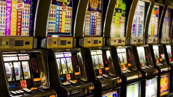 Percheziții în Cluj la persoane bănuite de spălare de bani si evaziune din jocuri de noroc
