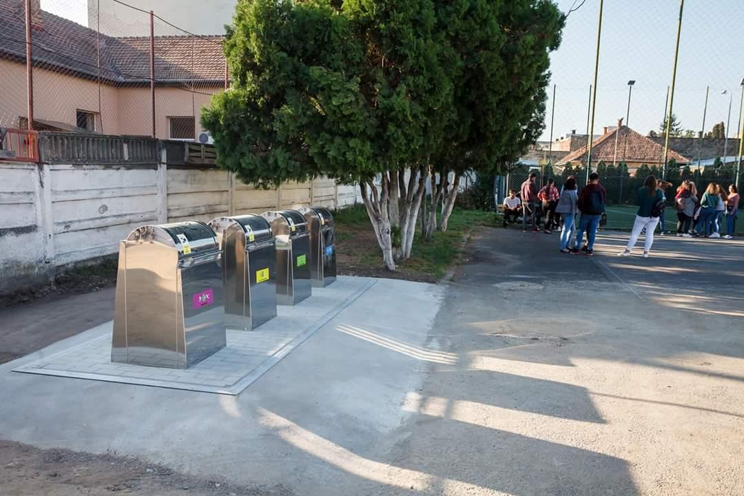 Cinci școli clujene au fost dotate cu platforme subterane de colectare a deșeurilor
