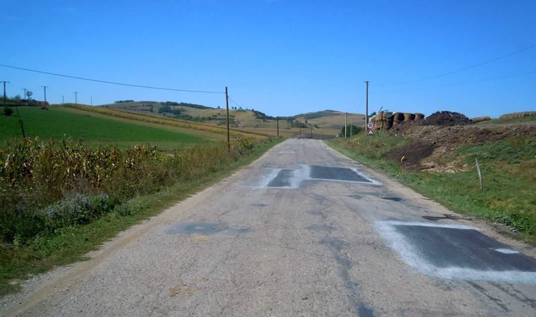 Au fost finalizate lucrările de întreţinere pe drumul județean 109C Cămărașu (DN 16) – Hodaie – Geaca
