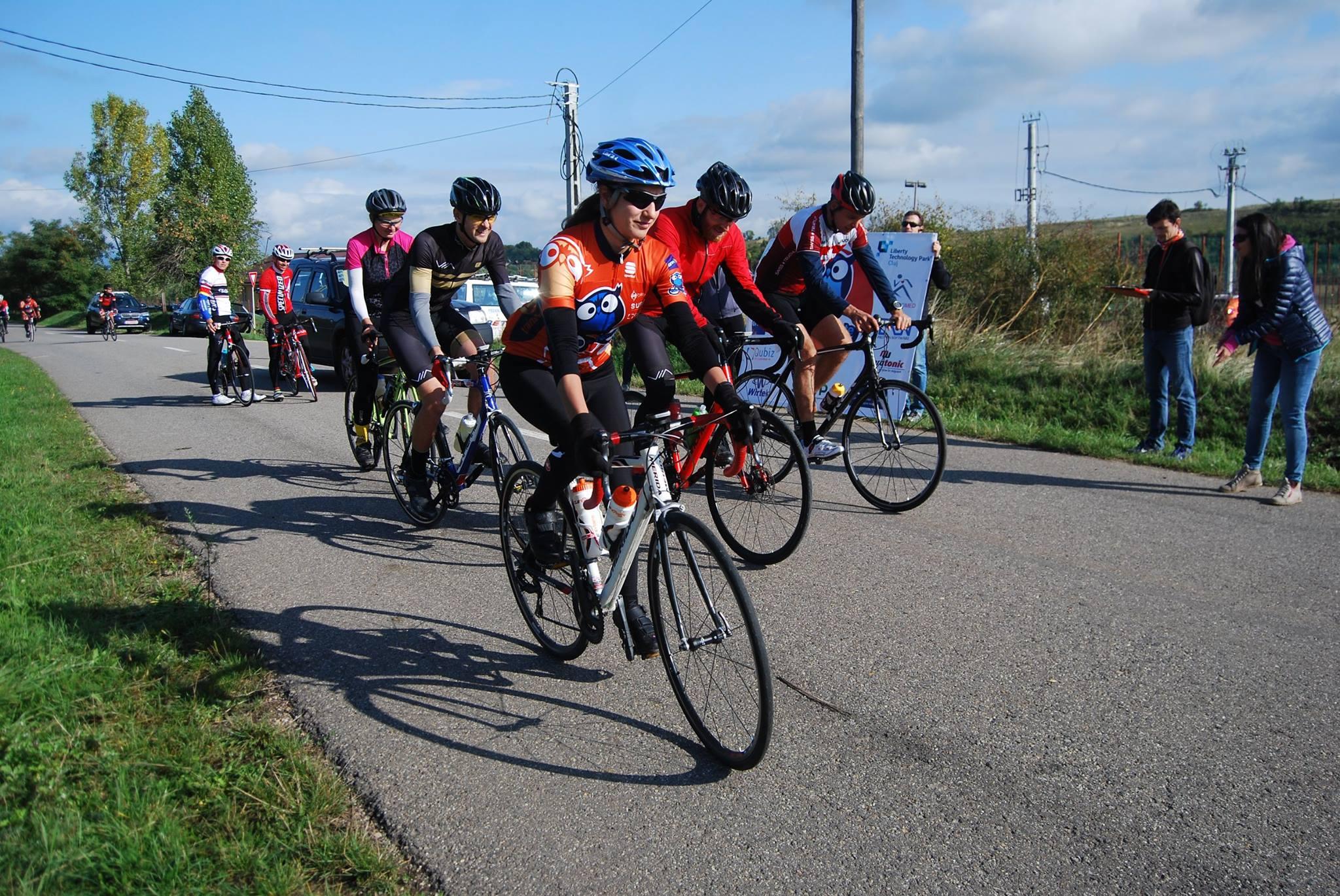 Tura de Noapte invită clujenii să pedaleze pentru copiii din Munții Apuseni