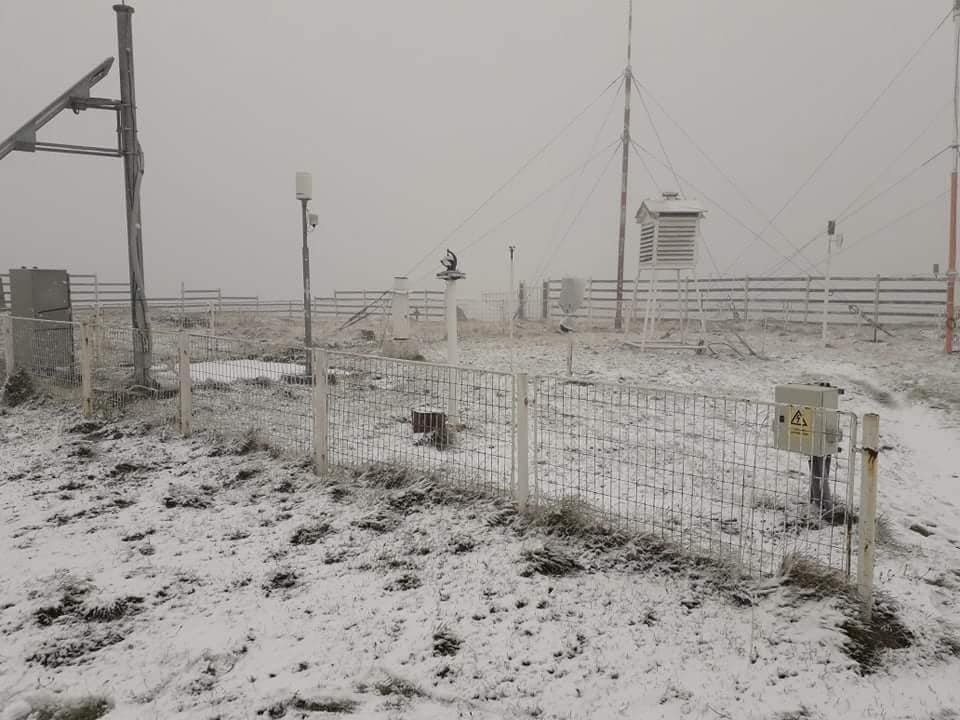 A nins la staţia meteo de pe Muntele Vlădeasa