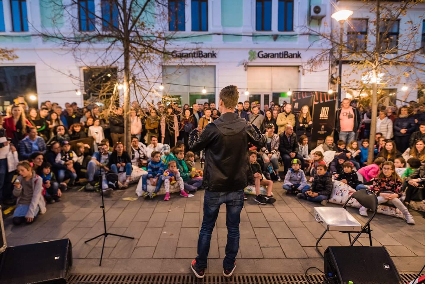 Arta stradală a cucerit centrul orașului în ultima zi de Jazz in the street din acest an! 17.000 de clujeni au luat parte la spectacole! FOTO-VIDEO
