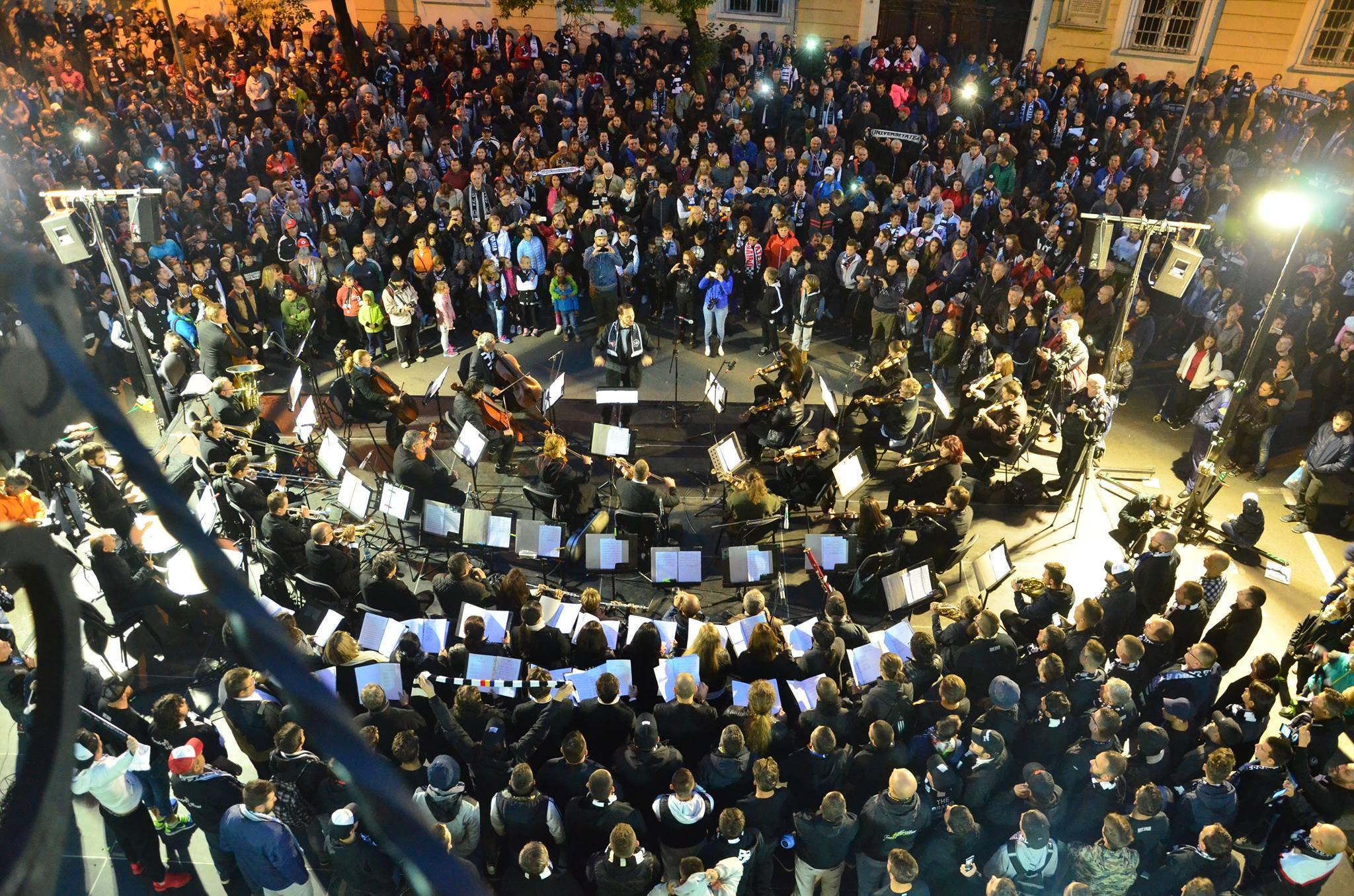 """""""U"""" pe Scena Urbană – Cântecele galeriei Universităţii Cluj vor răsuna, din nou, în centrul oraşului alături de orchestra simfonică!"""