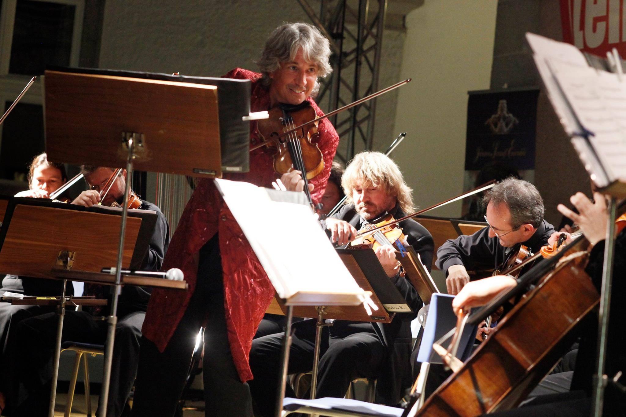 Strălucirea muzicii clasice vieneze, readusă la Cluj-Napoca de Johann Strauss Ensemble, în cadrul concertului Vienna Magic – Christmas Edition!