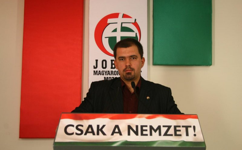 După ce a avut interdicţie 4 ani în România, un lider al partidului maghiar JOBBIK vine la Cluj-Napoca de 1 Decembrie!