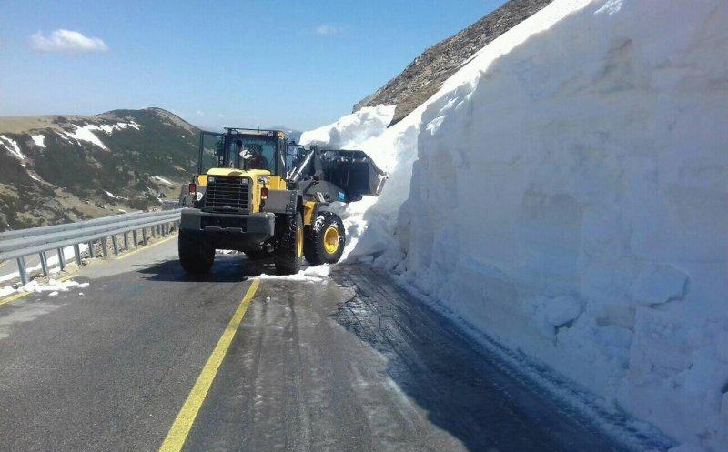 Transalpina, blocată de căderile de zăpadă! Ce alte drumuri naţioanle mai sunt închise!
