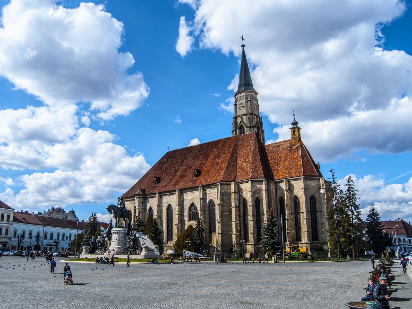 Clujul, unul dintre cele mai atractive oraşe din România! A luat faţa Bucureştiului la efervescenţa economică, natalitatea pozitivă şi calitatea vieţii!