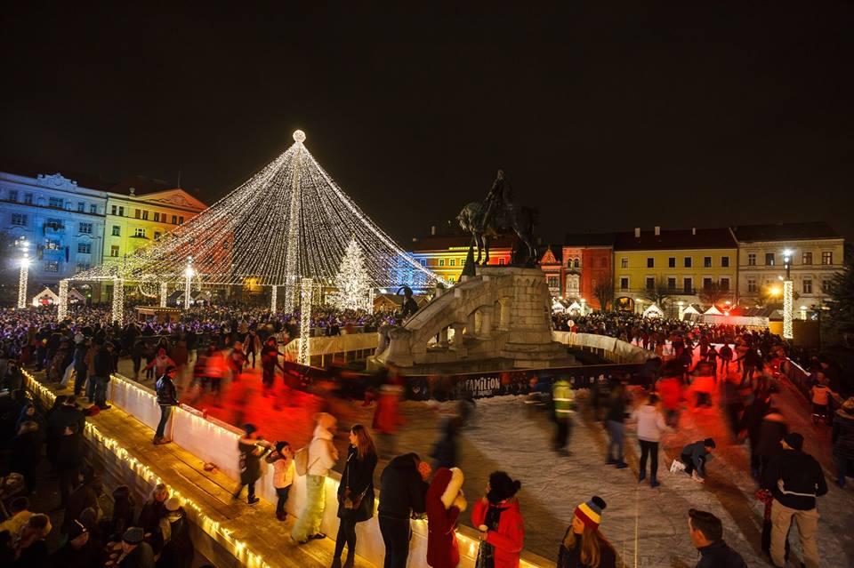 Mai aveţi timp şi astăzi să votaţi Târgul de Crăciun din Cluj-Napoca, nominalizat între cele mai frumoase 20 din Europa! Votul se încheie luni, 10 decembrie!