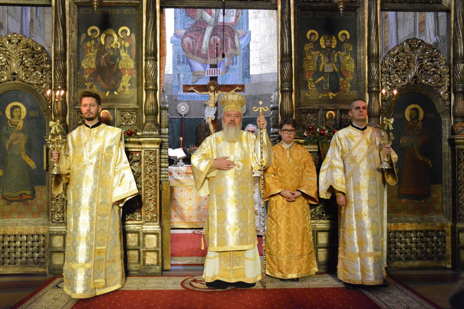 Mii de clujeni în prima zi a Anului Nou, în rugăciune, la Catedrala Mitropolitană din Cluj!