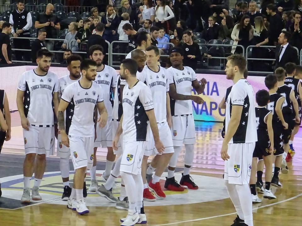 """Victorie de moral pentru """"U"""" BT Cluj-Napoca în derby-ul Transilvaniei cu CSU Sibiu, 84-80, în fața a peste 5700 de spectatori!"""