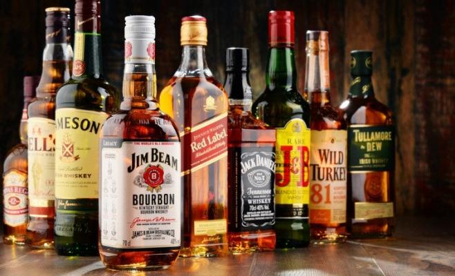 Peste 130 de miliarde de euro cheltuite pe alcool în UE! România, țara cu cea mai mare creștere a sumei date pe băutură în ultimul deceniu