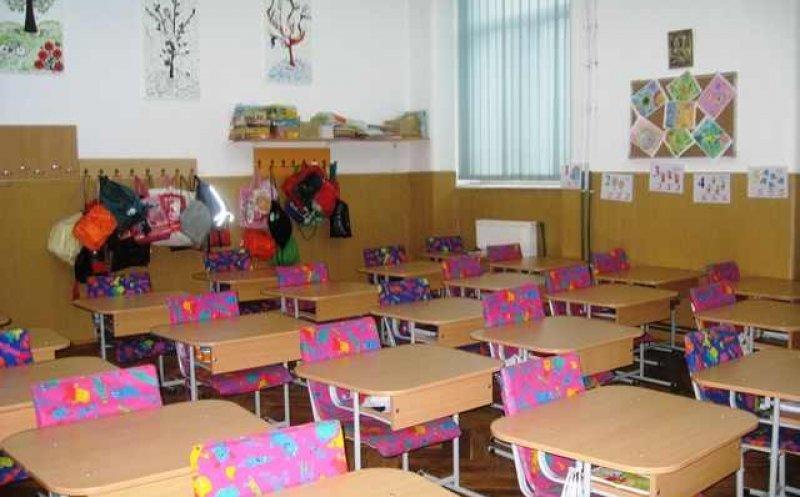 """INCREDIBIL – O profesoară de engleză a fost reclamată la inspectorat de un părinte pentru că a predat cuvântul """"foot""""!"""