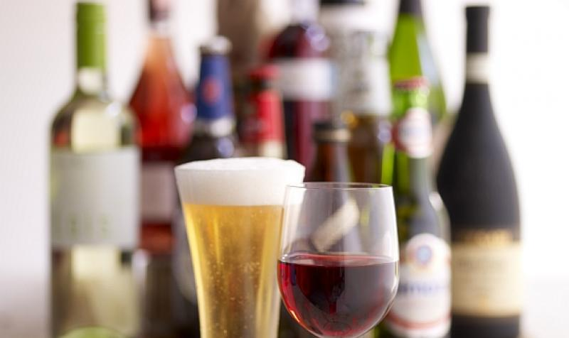 Studiu – Cum este influențată mahmureala de ordinea băuturilor alcoolice consumate