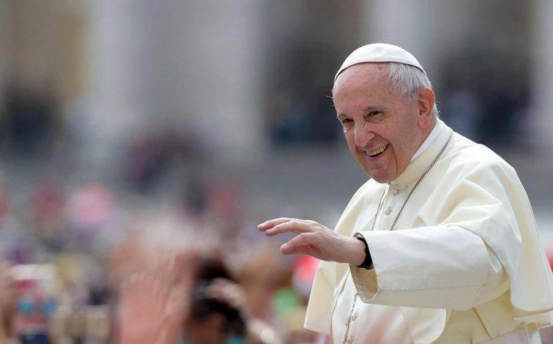 """Papa Francisc: """"Bisericile care nu ajută nevoiașii să plătească taxe și impozite la fel ca orice afacere"""""""