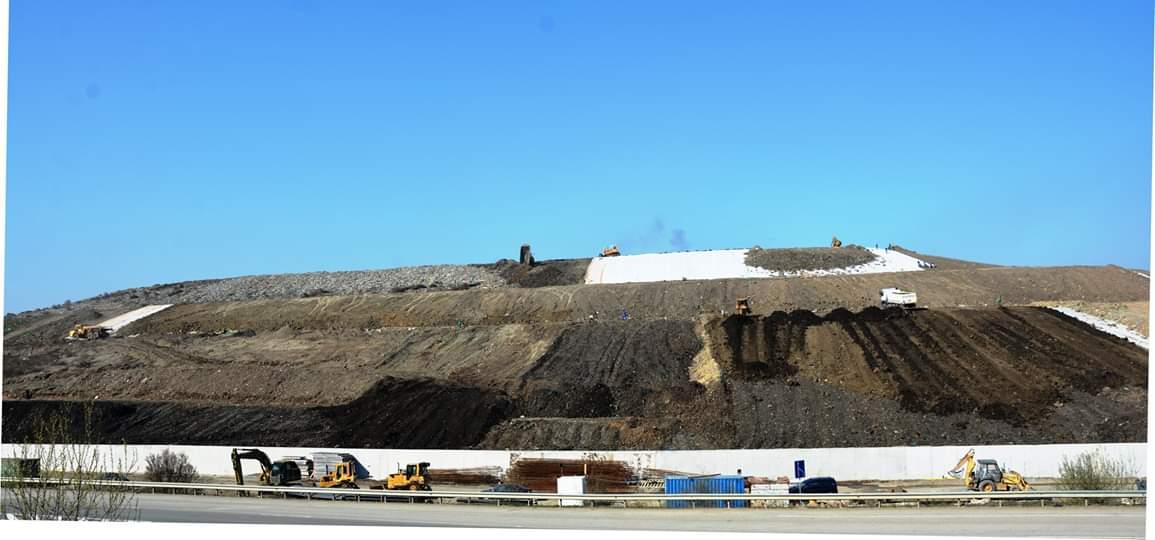 Se muncește de zor la închiderea și ecologizarea rampei de gunoi de la Pata Rât