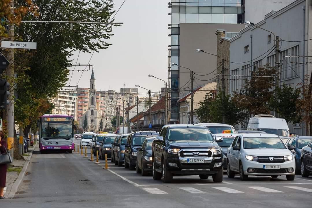 De astăzi, bandă dedicată pentru transportul în comun și biciclete din cartierul Gheorgheni!