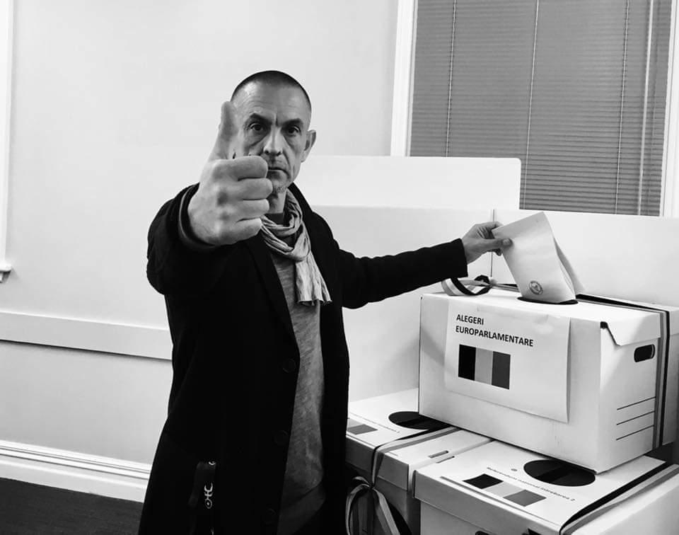 """Un clujean din Australia este primul român care a votat la Europarlamentareși Referendum: """"Sper ca într-o bună zi să mă pot întoarce acasă, la Cluj, fără regrete"""""""