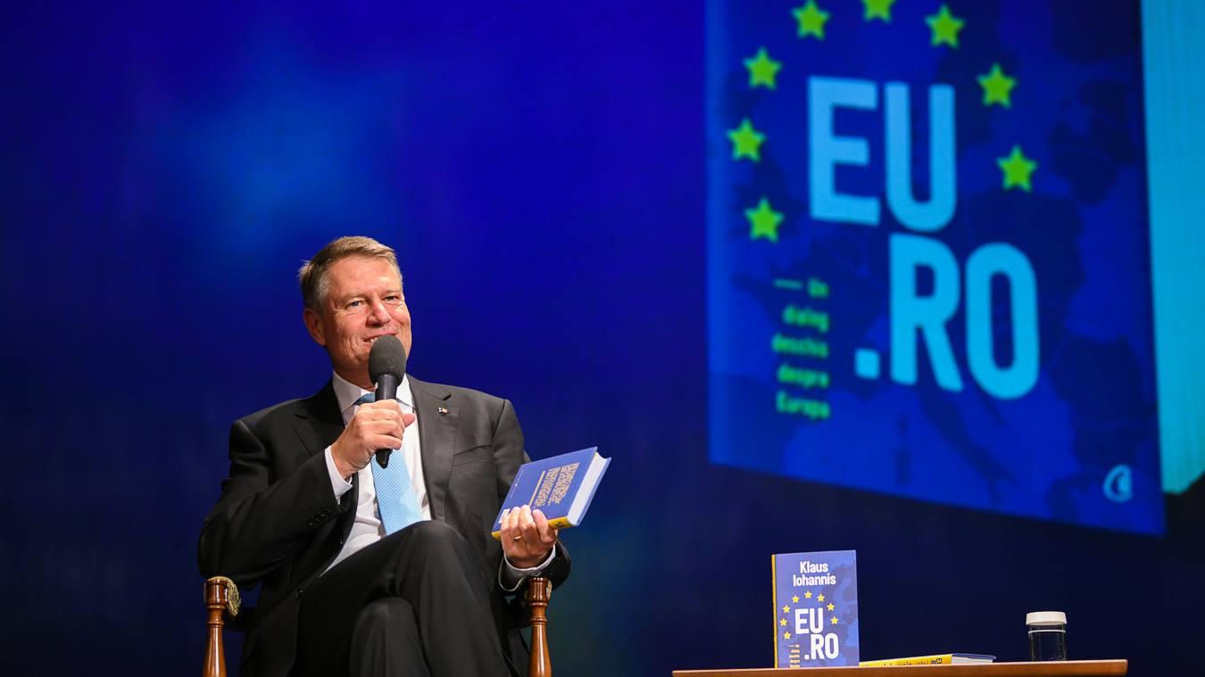 """Preşedintele României, Klaus Iohannis, vine la Cluj-Napoca pentru lansarea volumului """"EU.RO. Un dialog deschis despre Europa"""""""