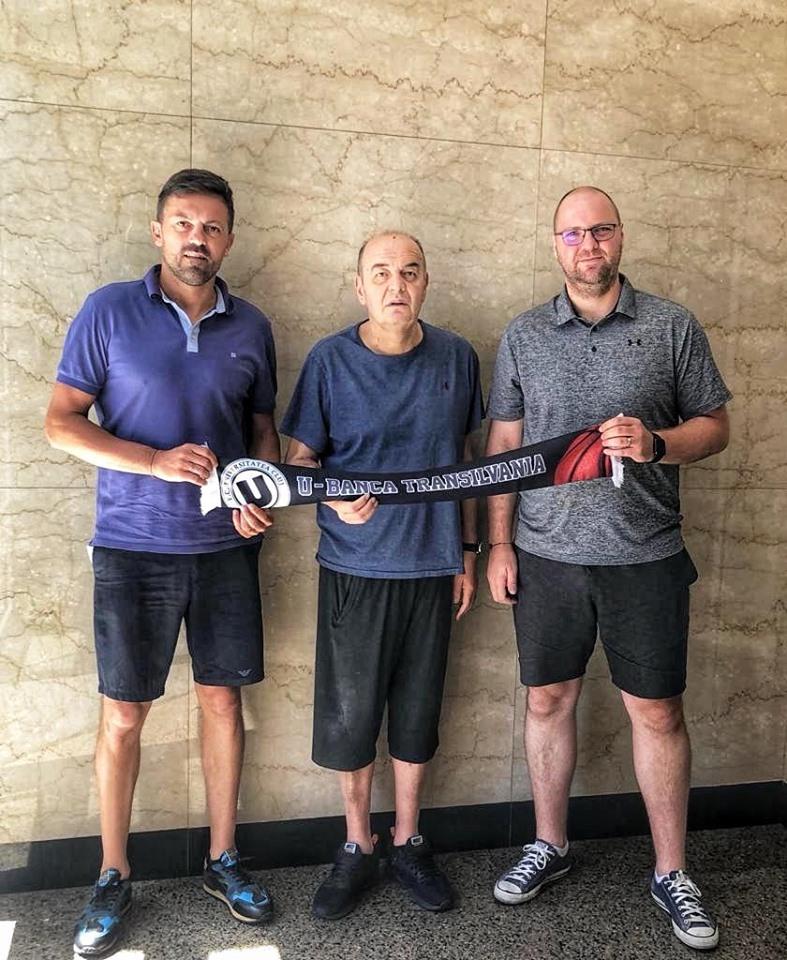 """Cel mai titrat antrenor din baschetul sârbesc și european, legendarul Duško Vujošević, noul coordonator al """"U"""" BT Cluj!"""