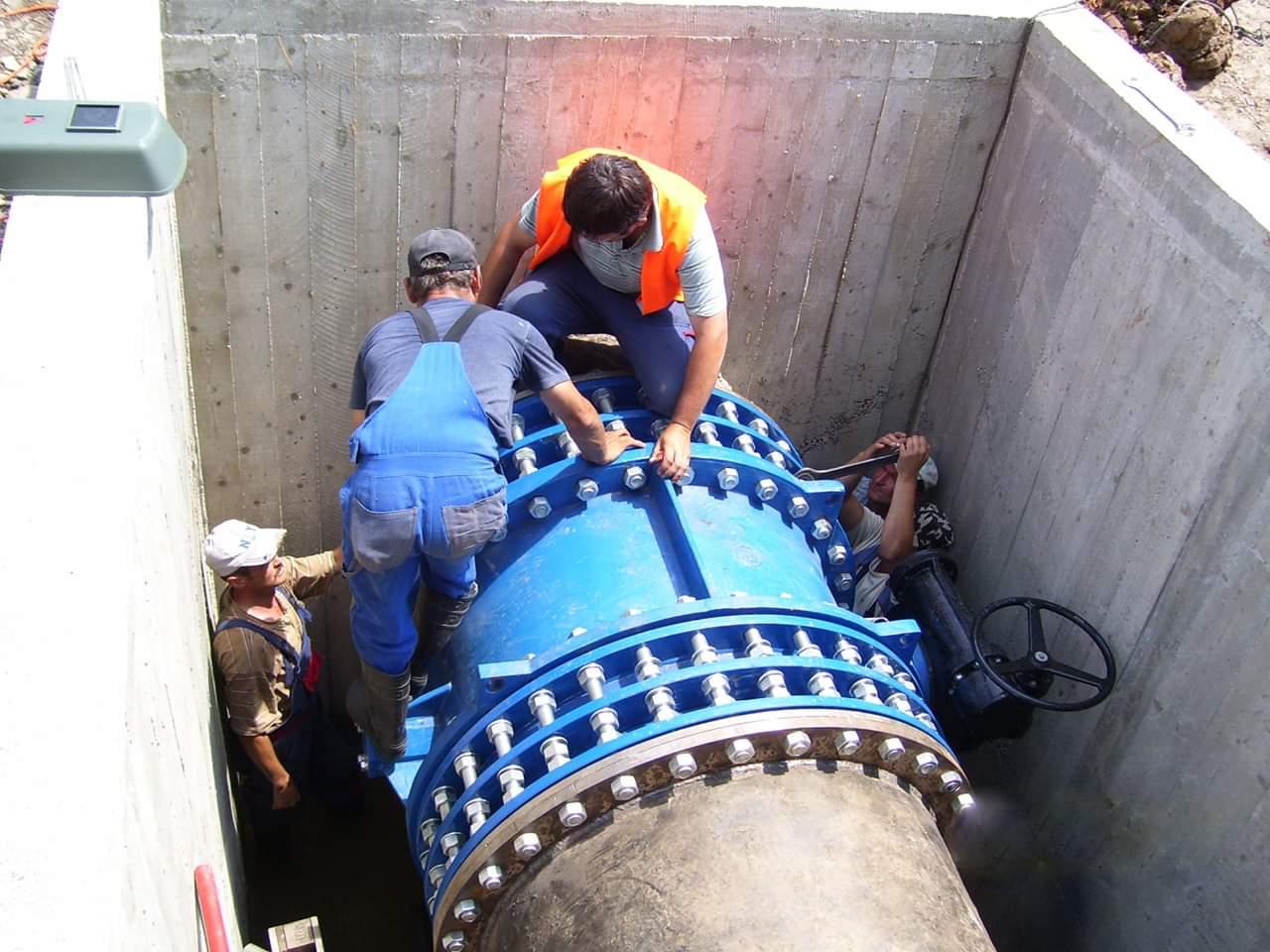 Dejul va beneficia de o nouă rețea de distribuție a apei potabile și de canalizare