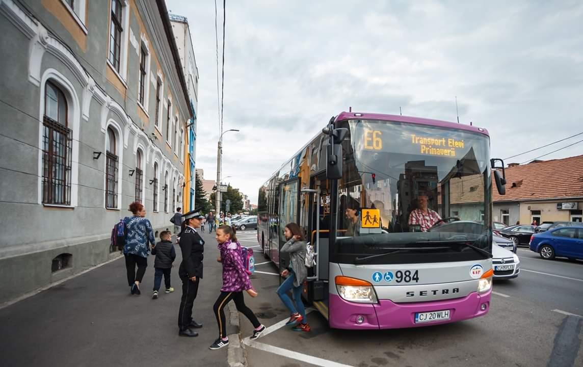 Mai multe autobuze școlare și  trasee pentru elevii clujeni, începând de astăzi