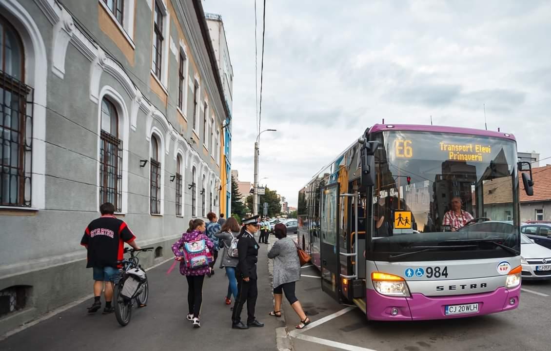 Autobuzele școlare, un succes la Cluj-Napoca: 4663 de elevi le-au folosit în prima săptămână de școală